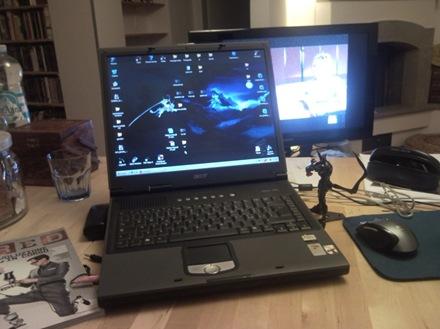 deskSNC00092